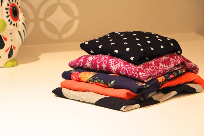 pile of stitch fix clothes.jpg